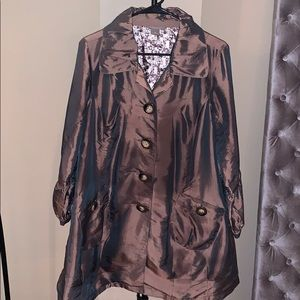 Kenar. Brown lightweight trendy trenchcoat